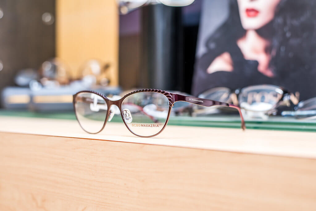 What to consider when buying eyeglasses