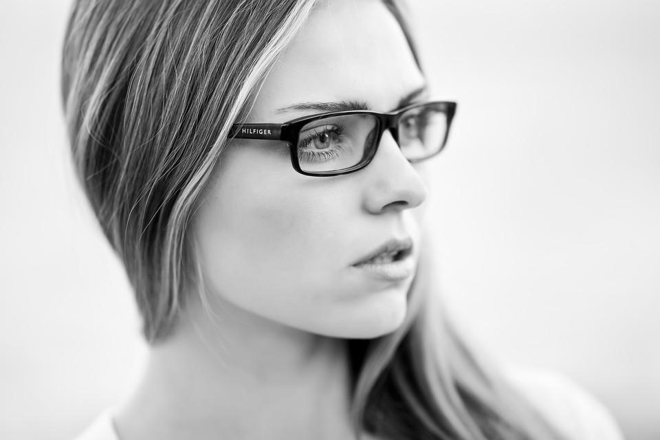 How to Choose the Right Glasses Frames