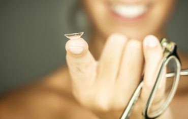 Contacts or Glasses – Which is Better for you?