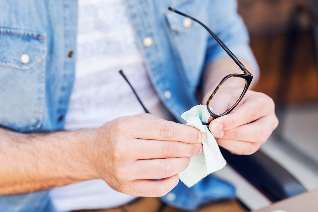 How to properly clean your glasses