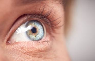 How To Avoid Getting Dry Eyes