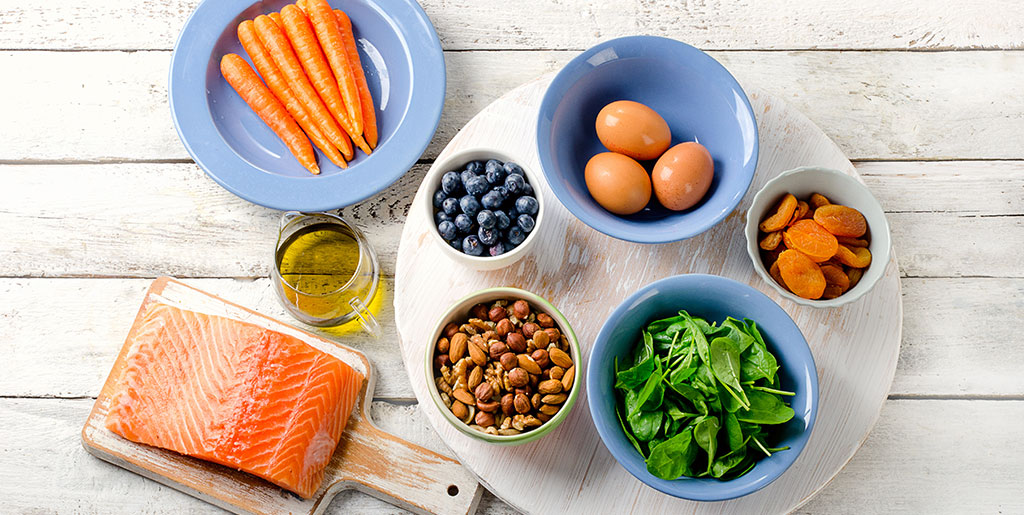 What foods can I eat to improve my eyesight?