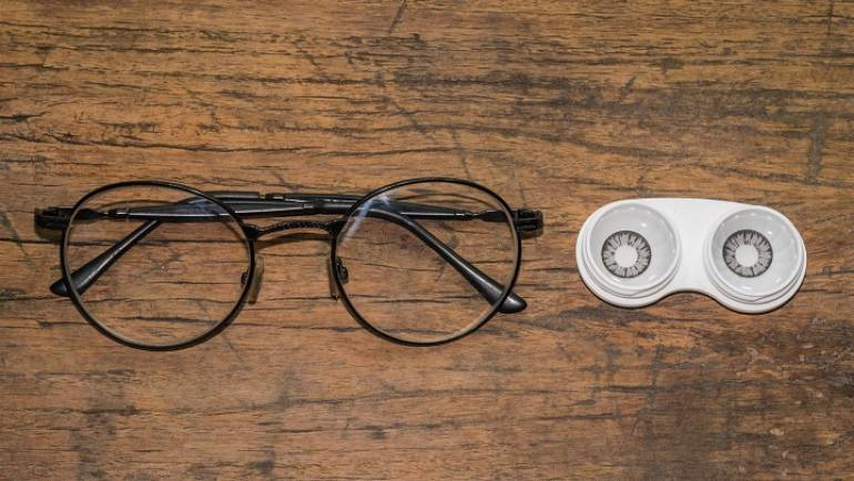 What happens when you switch from contacts to glasses?
