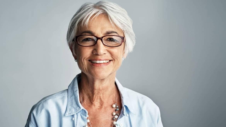 Should Elderly People Wear Sunglasses?